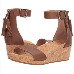 UGG Zoe Brown Wedge Sandals size 7